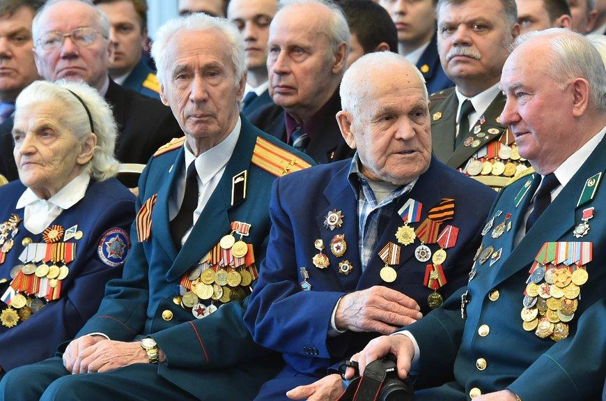 В Троицком доме ученых организовали концерт для ветеранов, фото-1