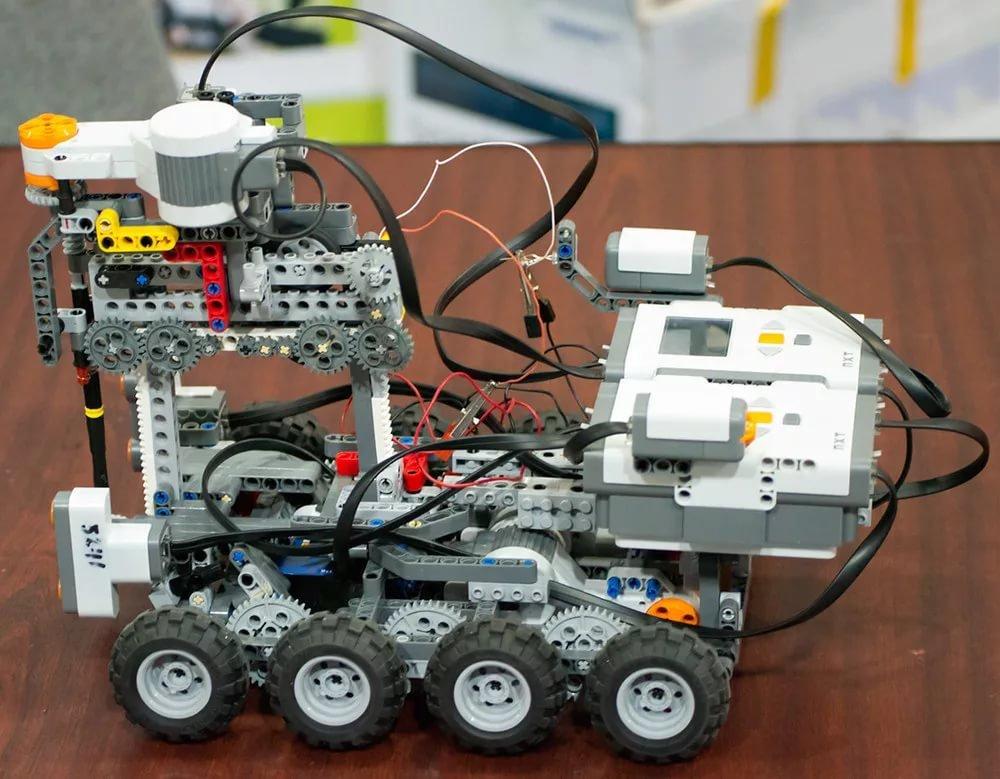 Учеников гимназии города Троицк пригласили на онлайн-занятие по робототехнике, фото-1